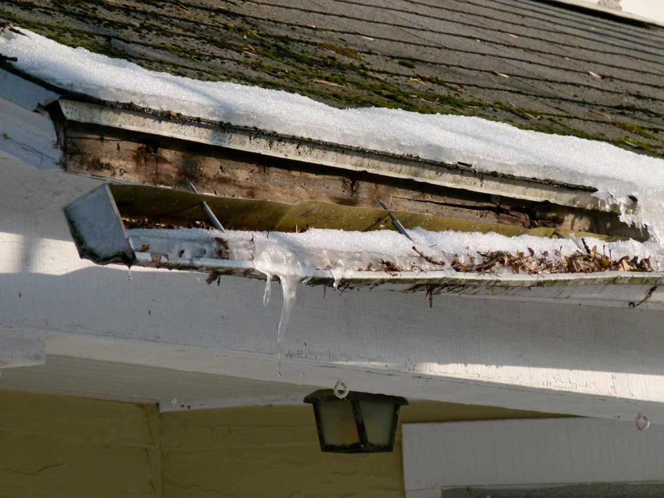 Code rood, waterschade, sneeuwschade, waterschade dakgoot