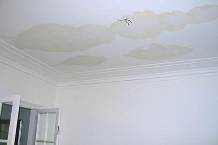 Waterschade aan het plafond