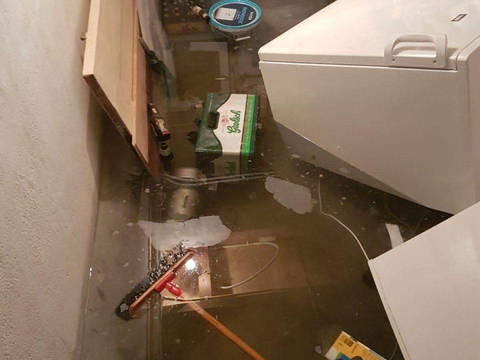 Waterschade in Arnhem - geknapte waterleiding